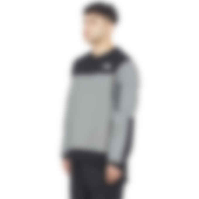 The North Face - Highrail Crewneck Pullover Sweater - TNF Medium Grey Heather/TNF Black